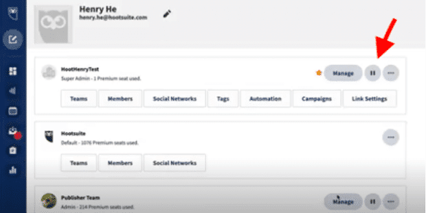 Pause button in Hootsuite dashboard